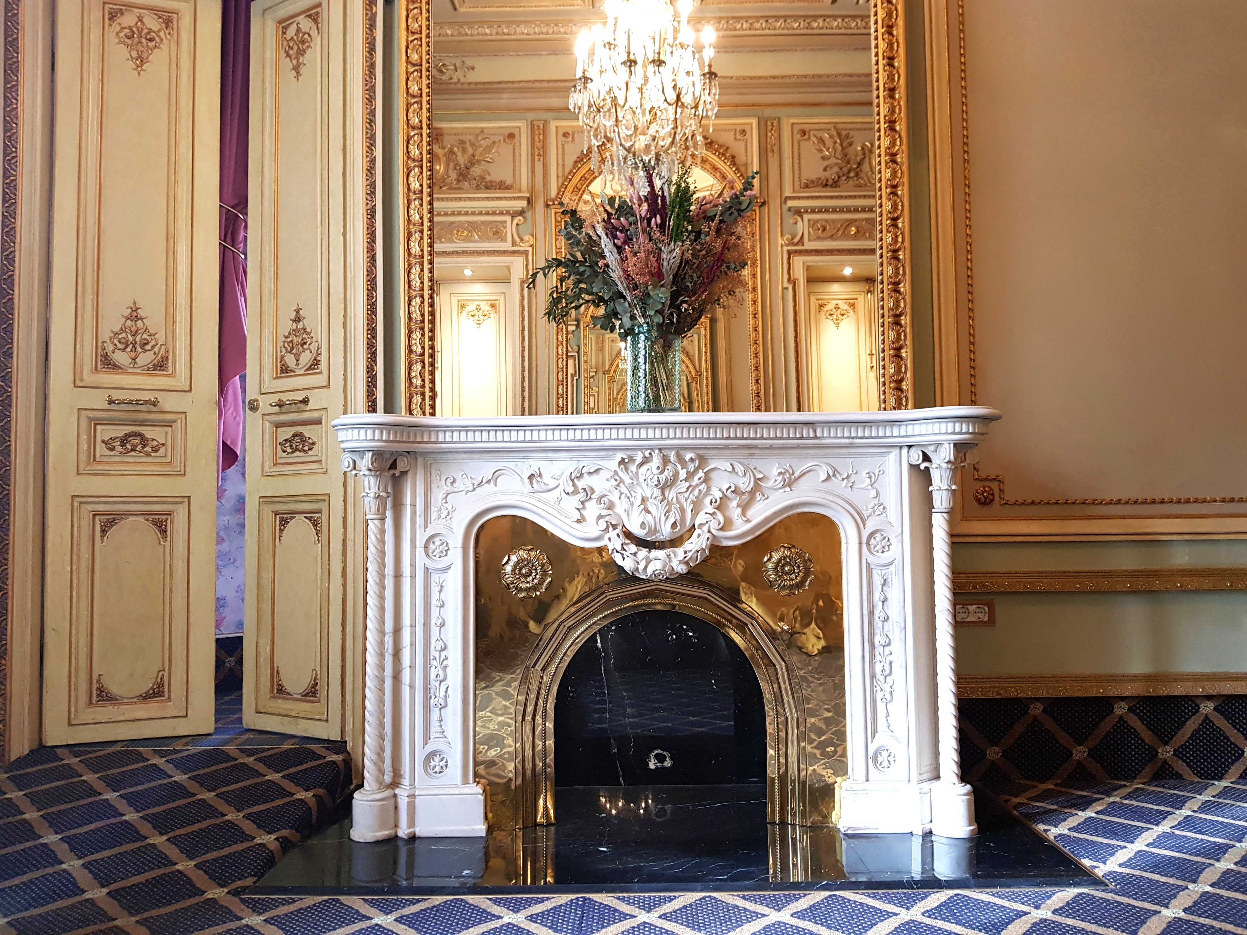 Suite Versailles Fireplace
