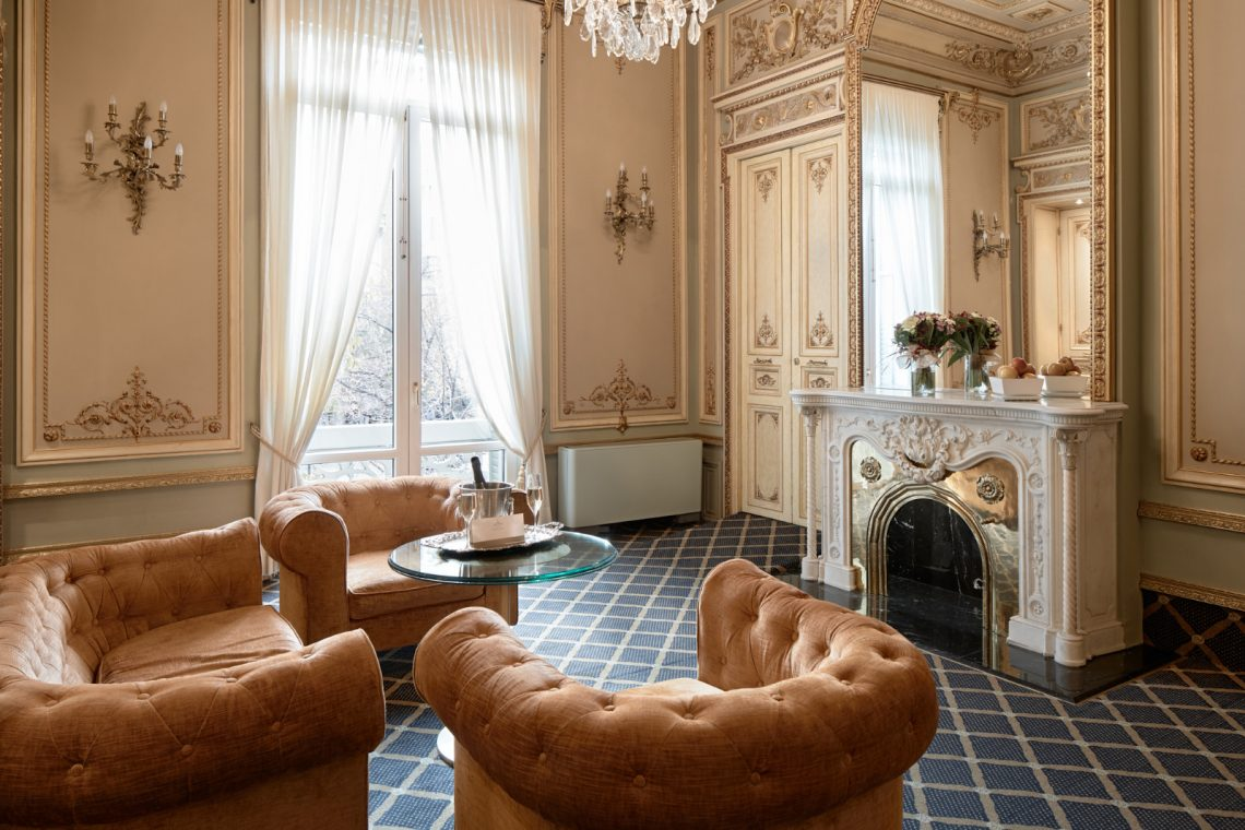 Hotel Continental Palacete Barcelona suite versailles